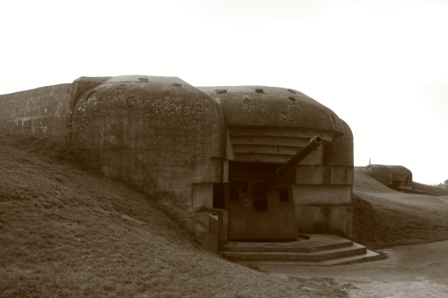 Longues-sur-Mer.  Four 170mm German cannons had a range of 13 miles.